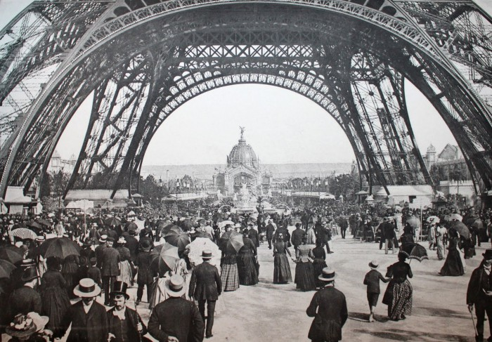 tour-eiffel-exposition-1890-paris-zigzag